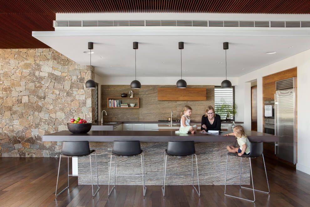 Căn nhà lớn với phối hợp giữa kiến trúc truyền thống của Anh và Úc