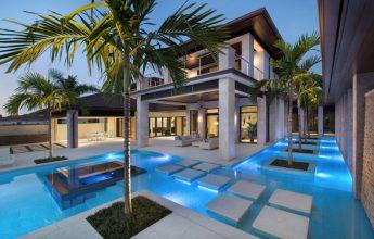 hồ bơi được tích hợp xung quanh nhà