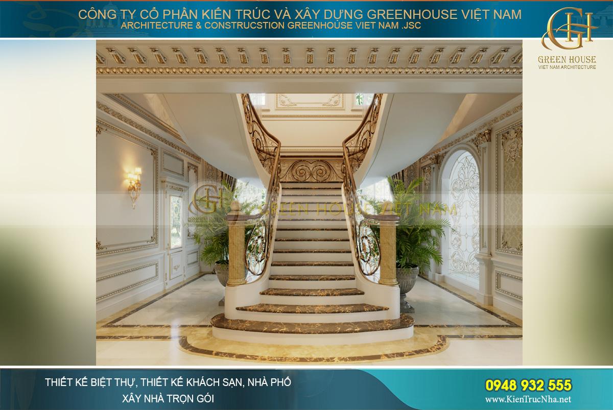 Hình dáng cầu thang thiết kế như đôi cánh tỏa rộng, mang phong cách của lâu đài phương Tây