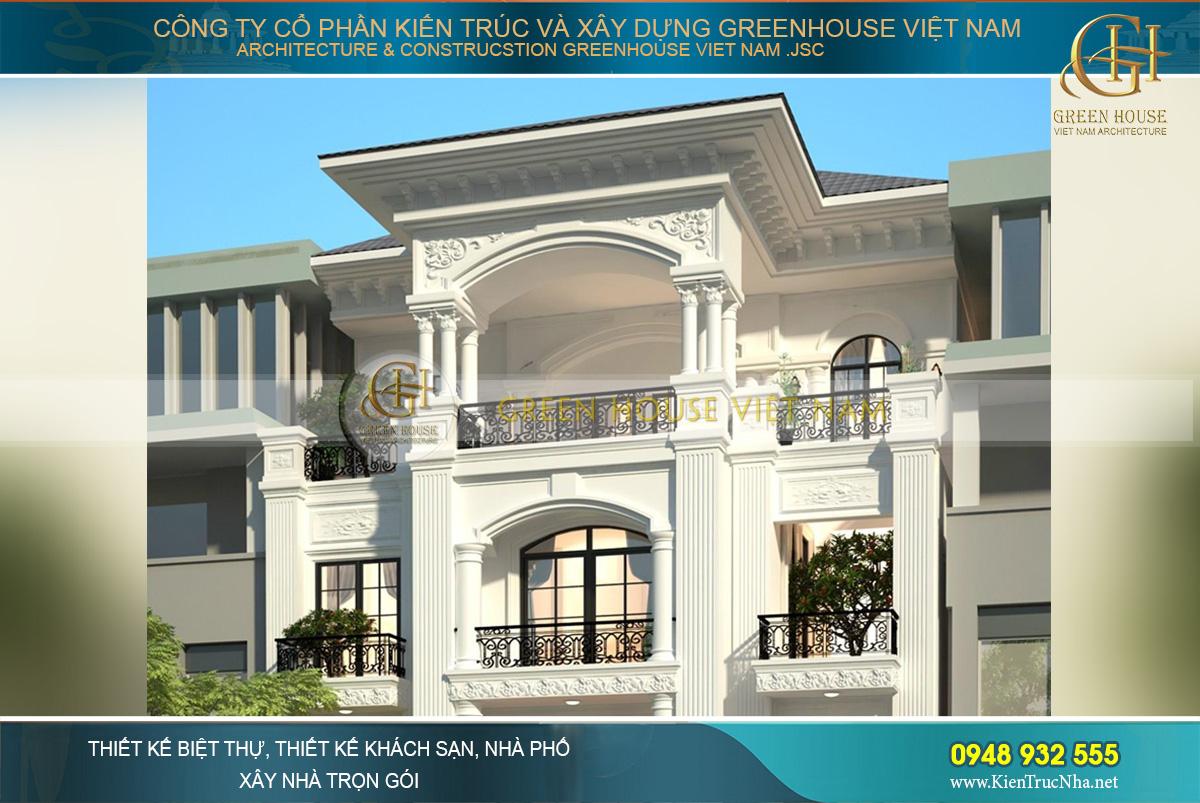 Các tầng trên được thiết kế với lớp sơn trắng và phào chỉ, hoa văn cổ điển sang trọng